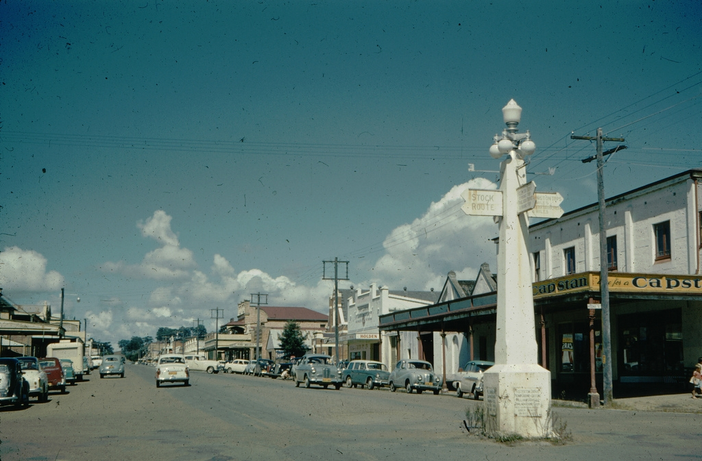 Cover image for A Walk Around Dungog